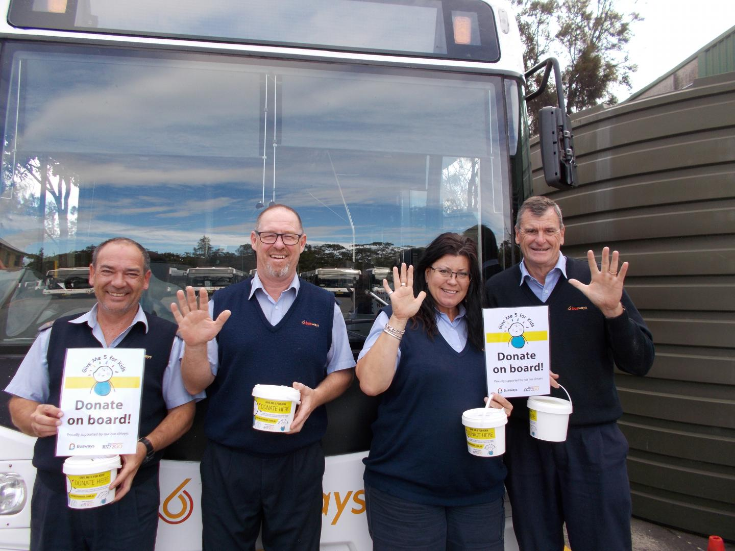 Gosford drivers get behind a good cause with Give Me 5 for Kids!